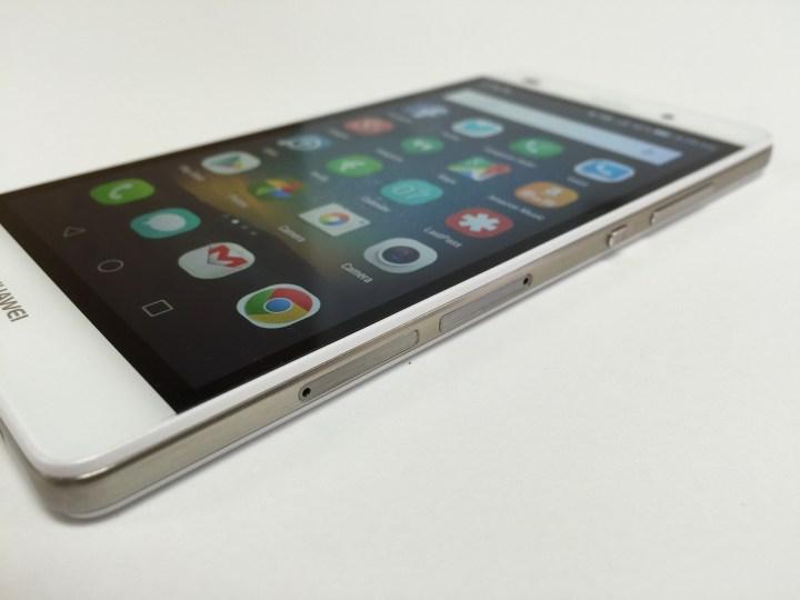Huawei P8 Lite right edge