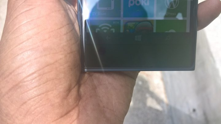 Nokia Lumia 735 Review (3)