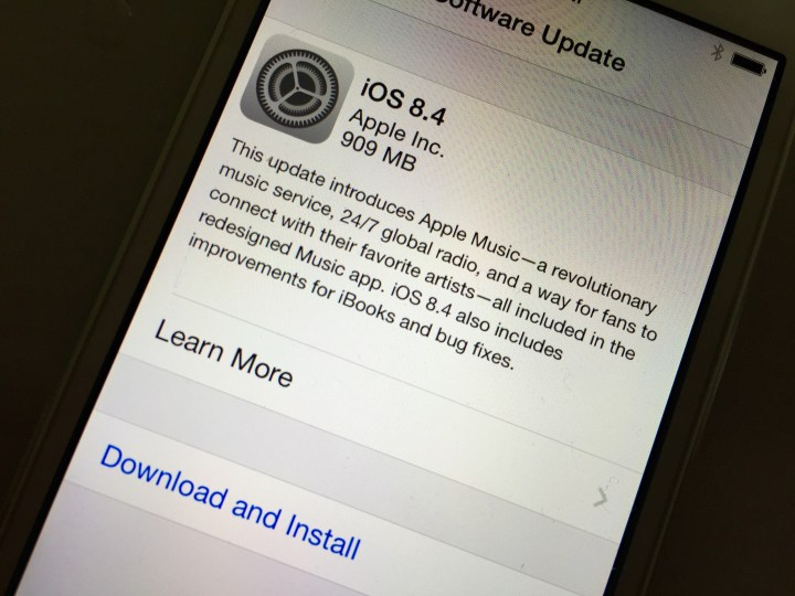 Why You Should Skip iOS 8.4 for Now