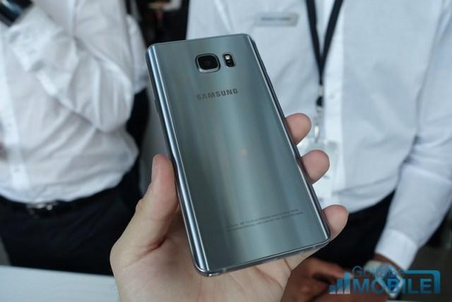 Galaxy Note 5 in Titanium Silver