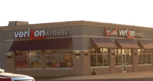 Verizon revamps contracts and plans ahead of a new iPhone.