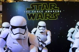 What you need to know about the Star Wars: The Force Awakens dvd release date. TeeRoar / Shutterstock.com