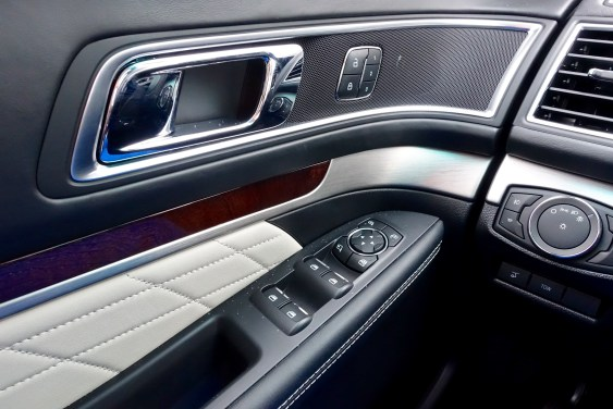 2016 Ford Explorer Platinum Review - 9