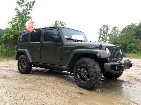 2016 Jeep Wrangler Review - 18
