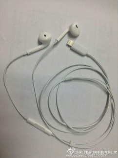 iPhone 7 lightning headphones - 2