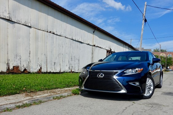 2016 Lexus ES350 Review - 1