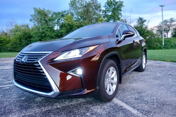 2016-lexus-rx-350-review-4