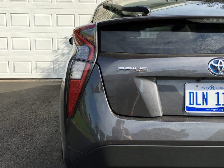 2016 Toyota Prius Review - Prius Three - 22