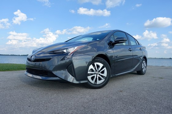 2016 Toyota Prius Review