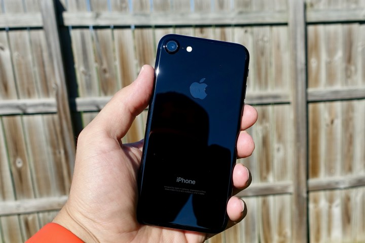 iPhone 7 iOS 10.1.1 Update Review