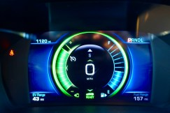 2017-chevy-volt-review-11