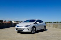 2017-chevy-volt-review-26