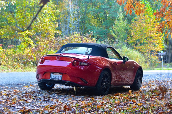 2017-mazda-mx-5-miata-club-review-7