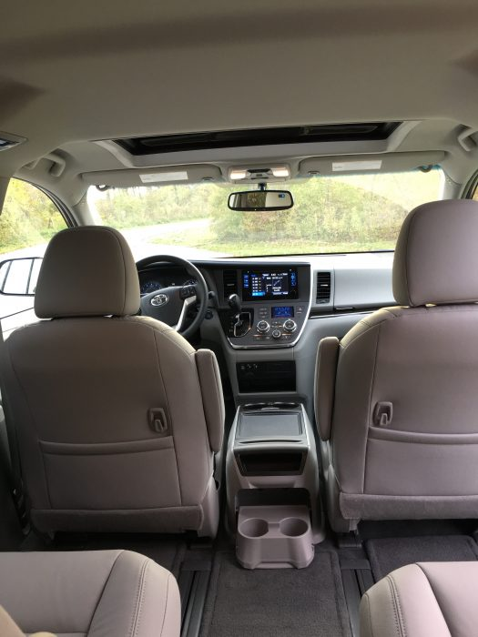 2017-toyota-sienna-review-6