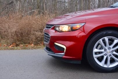 2017-chevy-malibu-hybrid-review-16