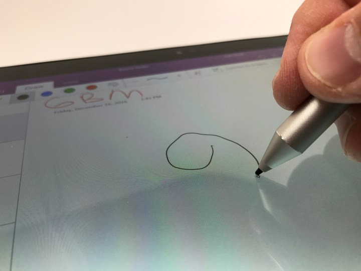 Take notes with the Wacom pen accurately and easily.