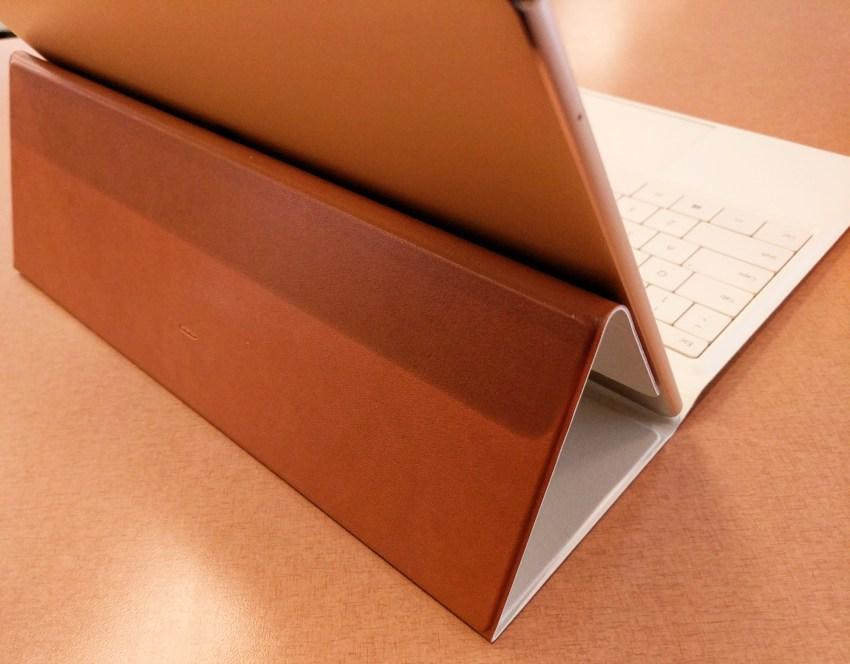 huawei-matebook-portfolio-keyboard-case-back