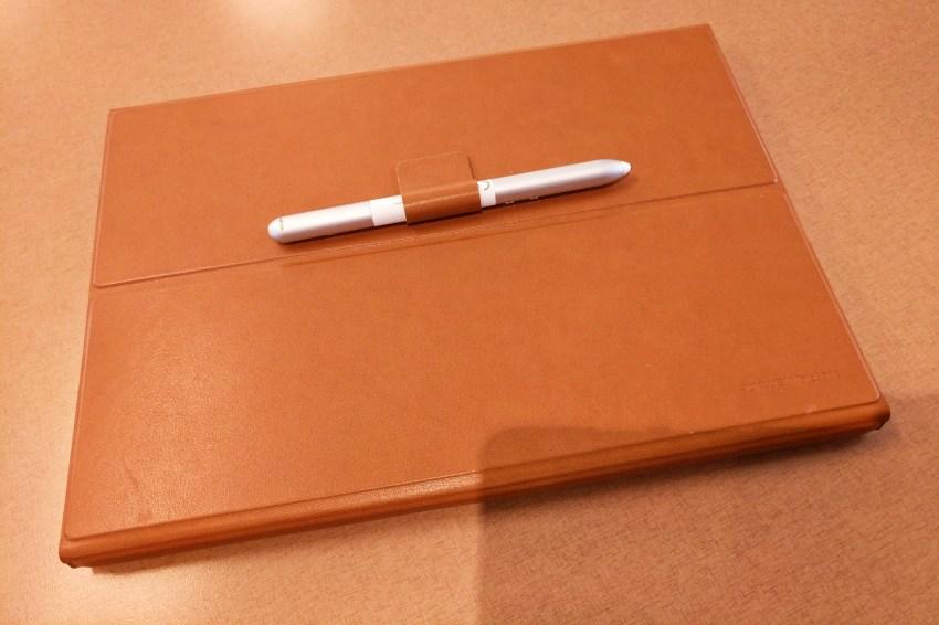 huawei-matebook-portfolio-keyboard-cover-back-with-pen