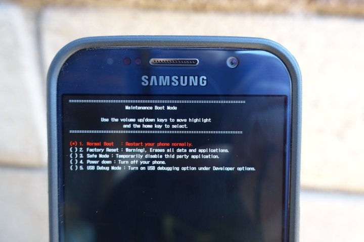How to Reset a Frozen Galaxy S7