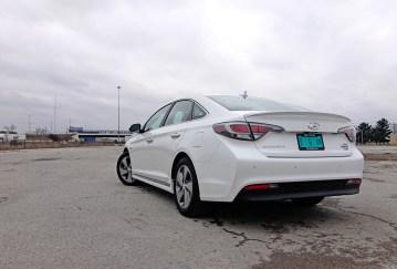 2017 Hyundai Sonata Plug-In Hybrid Review - 10