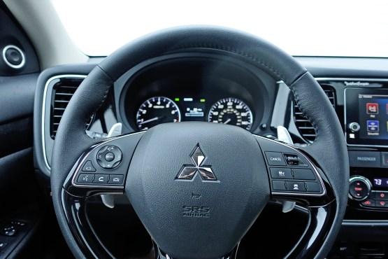 2017 Mitsubishi Outlander GT Review - 17