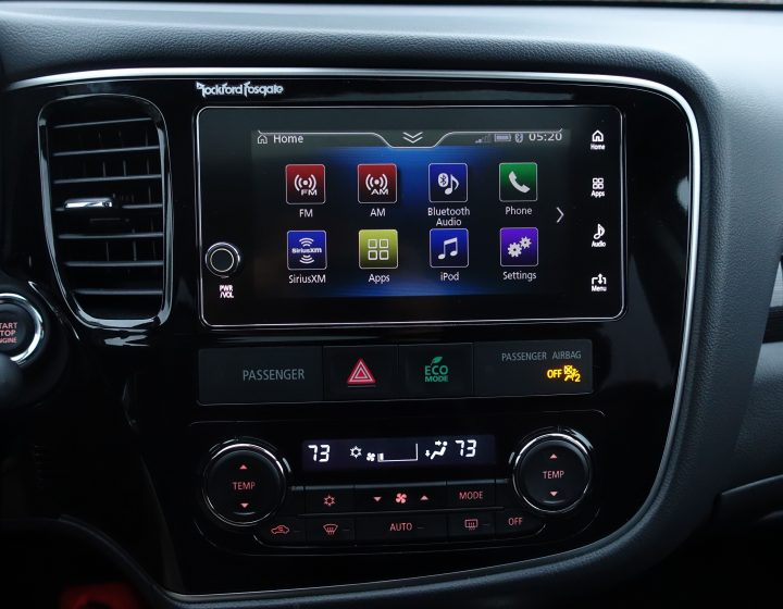 The Outlander GT includes a 7-inch touchscreen with Android Auto and Apple CarPlay support.