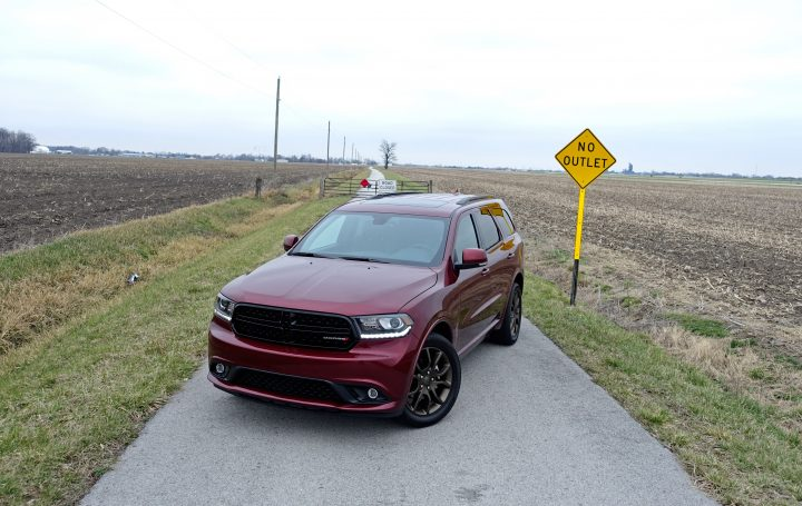 The Dodge Durango GT comes with a sporty look.