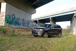 2017 Jeep Grand Cherokee Review - 4