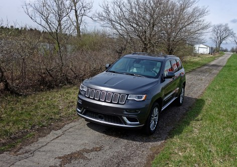 2017 Jeep Grand Cherokee Review - angle