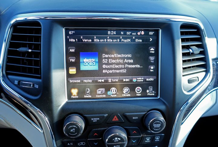 There is a capable infotainment system in the Grand Cherokee.