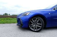 2017 Lexus IS 350 F Sport Review - 4