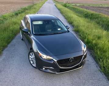 2017 Mazda 3 Hatchback Review - 11