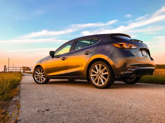 2017 Mazda 3 Hatchback Review - 12