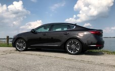 2017 Kia Cadenza Review - 15
