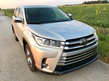 2017 Toyota Highlander Review - 11