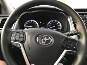 2017 Toyota Highlander Review - 13
