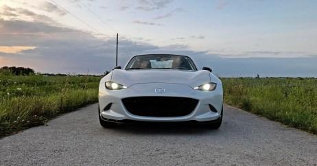 2017 Mazda MX-5 Miata RF Review - 23