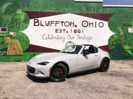 2017 Mazda MX-5 Miata RF Review - 27
