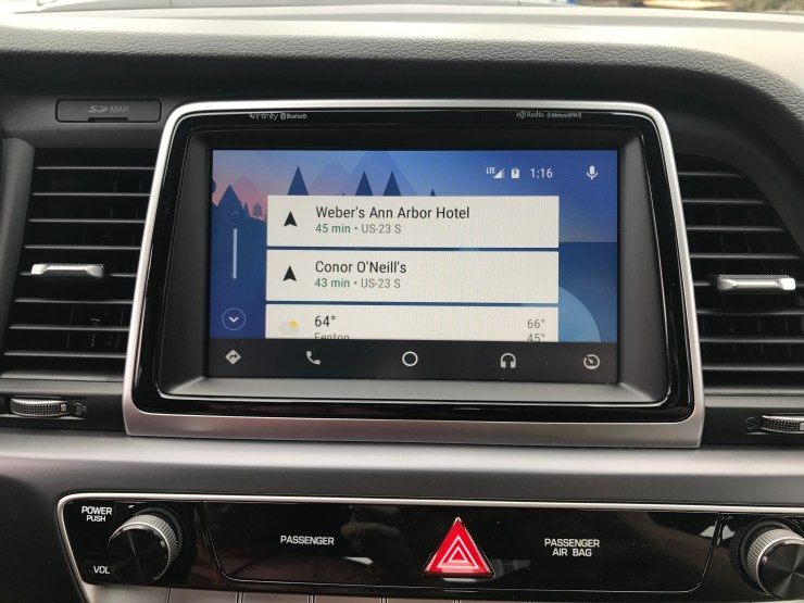 Use Android Auto or Apple CarPlay on the 7-inch touch screen.
