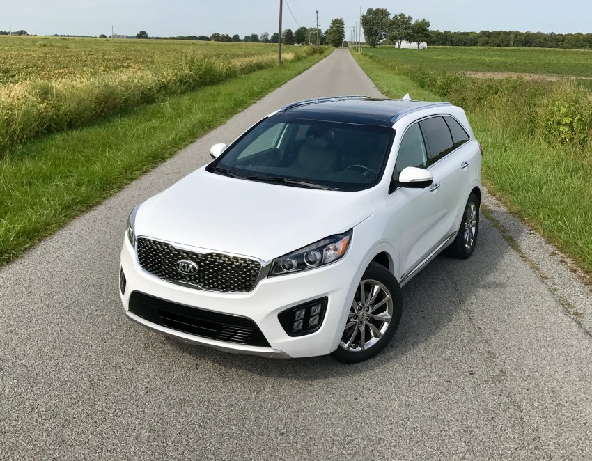 The Kia Sorento delivers a modern look with just the right amount of attitude.
