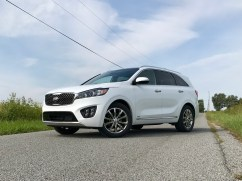 2017 Kia Sorento Review - 32