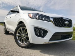 2017 Kia Sorento Review - 34