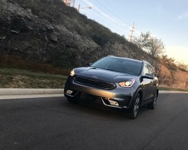 2017 Kia Niro Review - 22