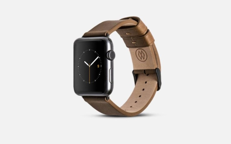 A nice classic leather Apple Watch band from monowear.