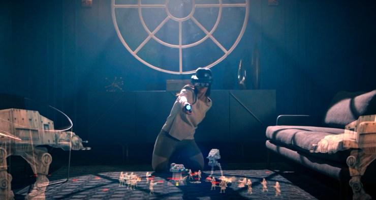 Star Wars Jedi Challenges Review Strategic Combat holograms on floor