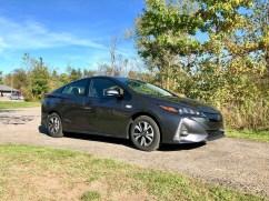 2017 Toyota Prius Prime Review - 16