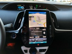 2017 Toyota Prius Prime Review - 7