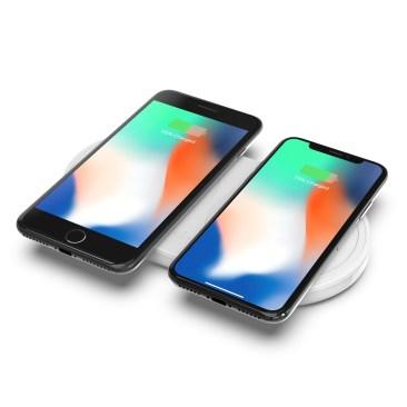 Dual_Wireless_Pad_iPhone
