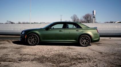 2018 Chrysler 300 Review - 4