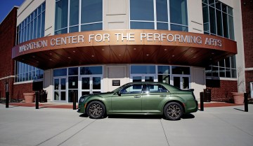 2018 Chrysler 300 Review - 5